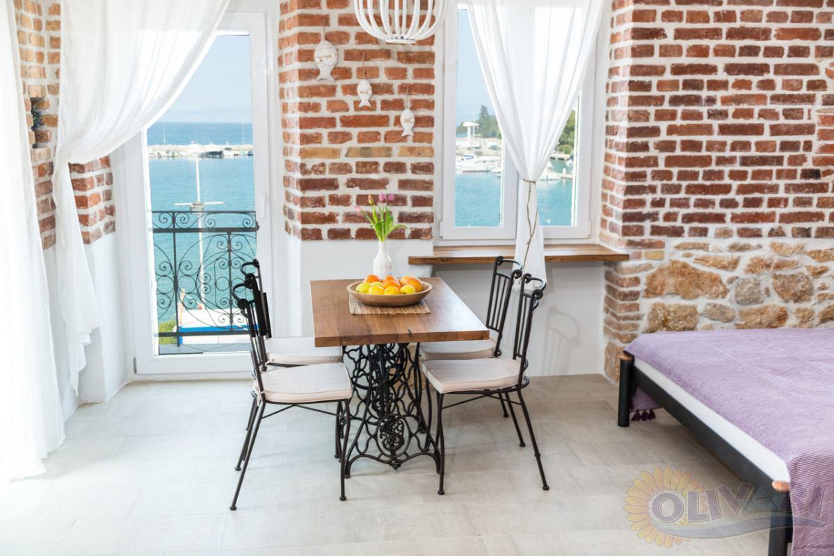 The house Sunčana obala Apartment 4