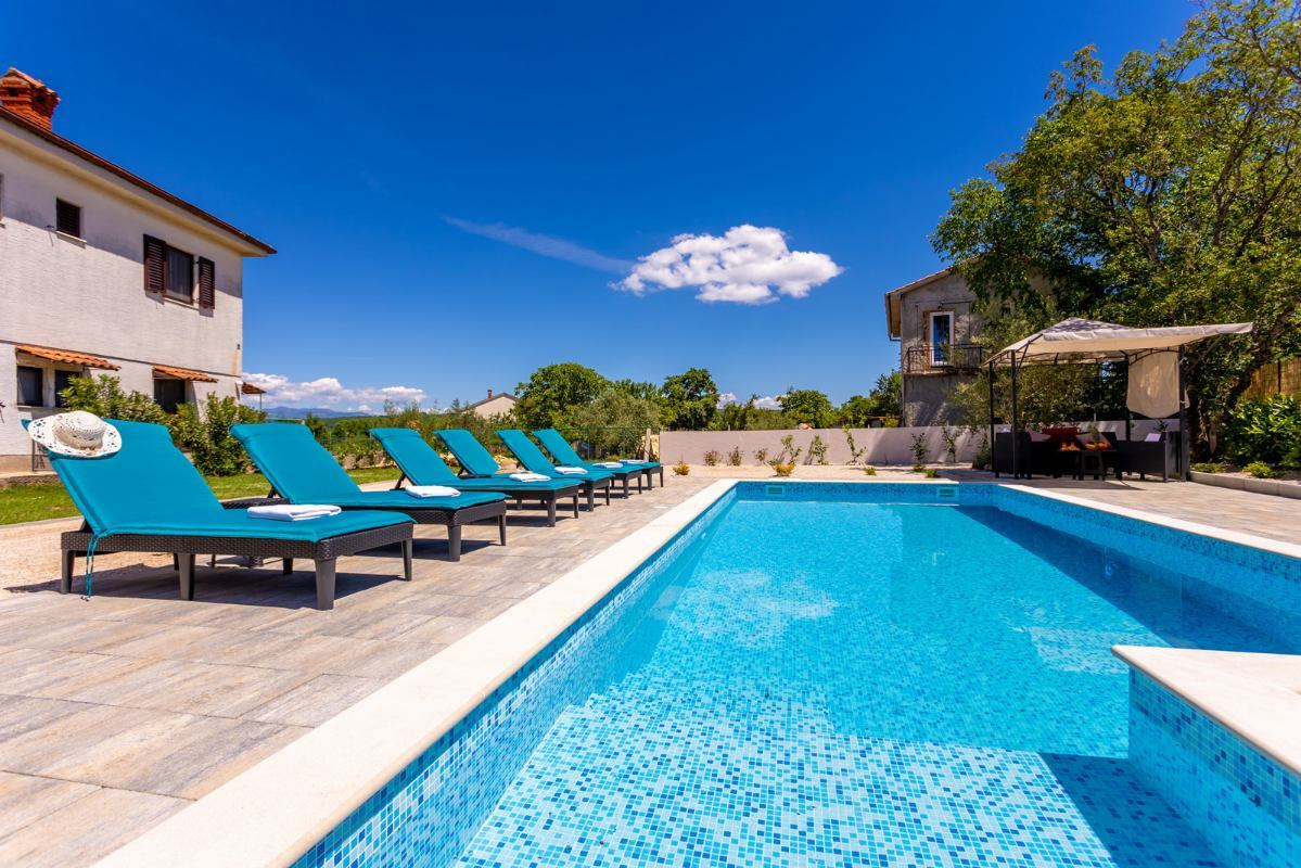 Apartman LuNi s bazenom otok Krk Sveti Anton Malinska