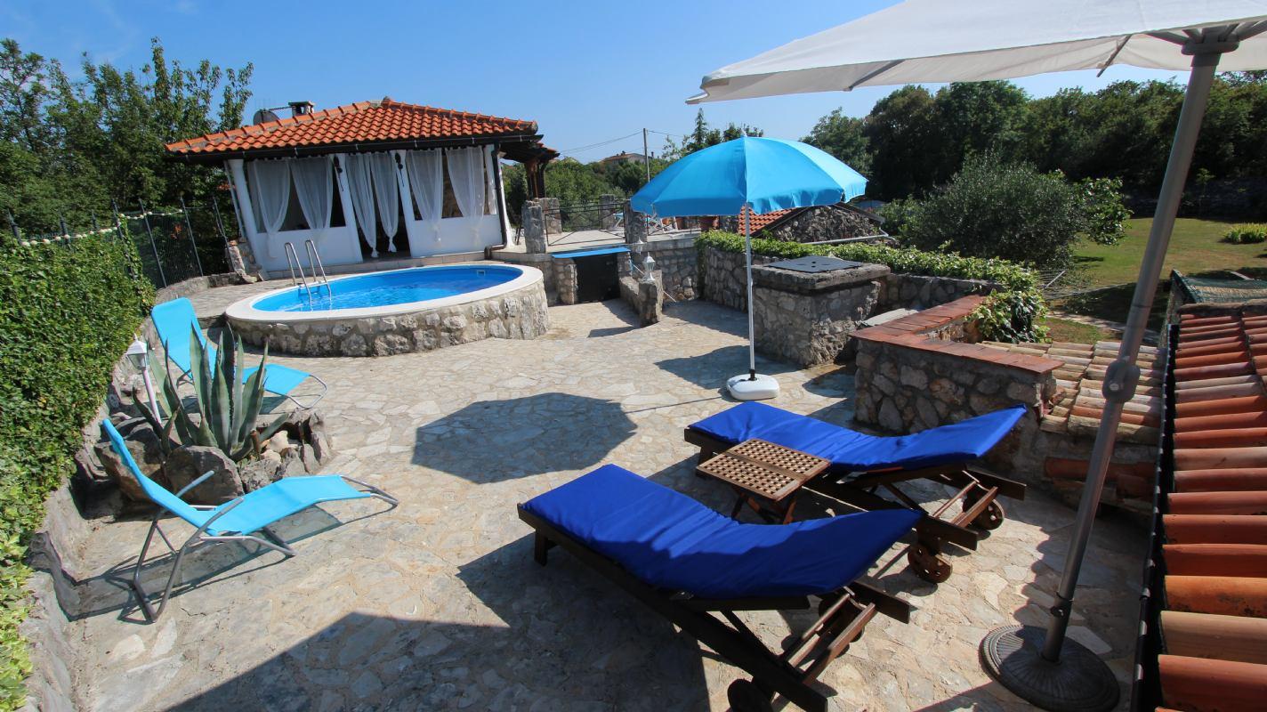 Pet friendly kuća za odmor Nana s bazenom, otok Krk, Gabonjin