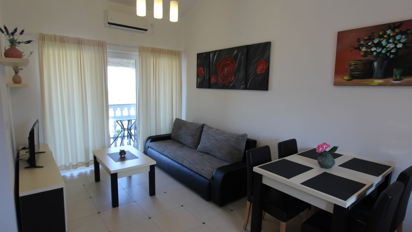 Apartman Jela 4